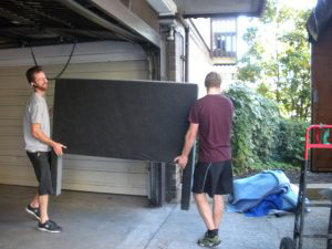 Furniture removalists West Hoxton